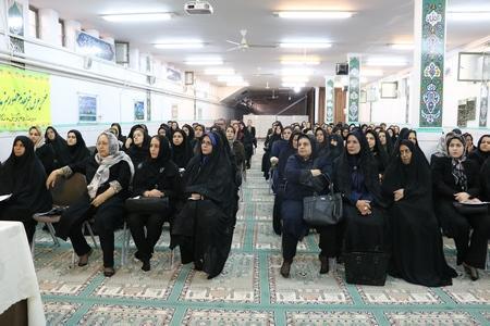 در گفت و گو با خبرنگاران عنوان کرد؛ تشکیل شورای عالی انجمن اولیا و مربیان از تابستان سال جاری