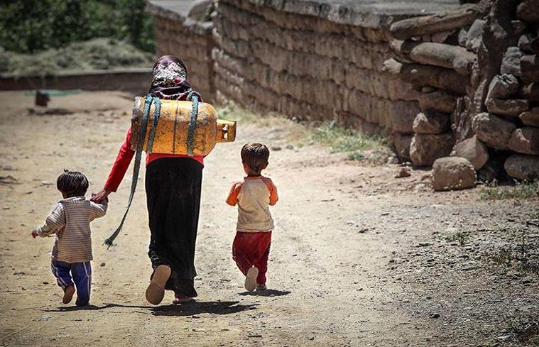 شناسایی دو سد اصلی فقر زدایی در ایران
