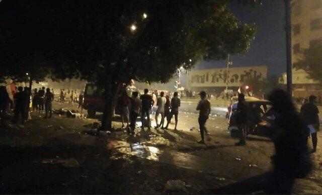 هزاران تن در بغداد علی رغم منع آمد و شد در پایتخت تظاهرات کردند