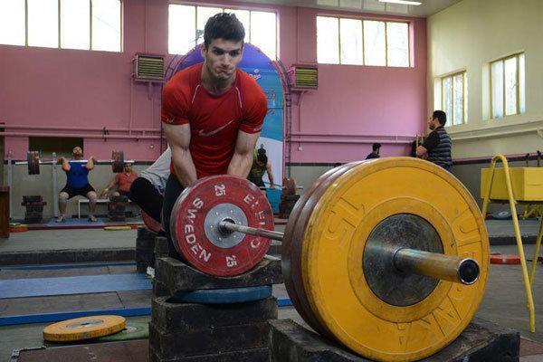 دعوت کیانوش رستمی به اردوی تیم ملی وزنه برداری