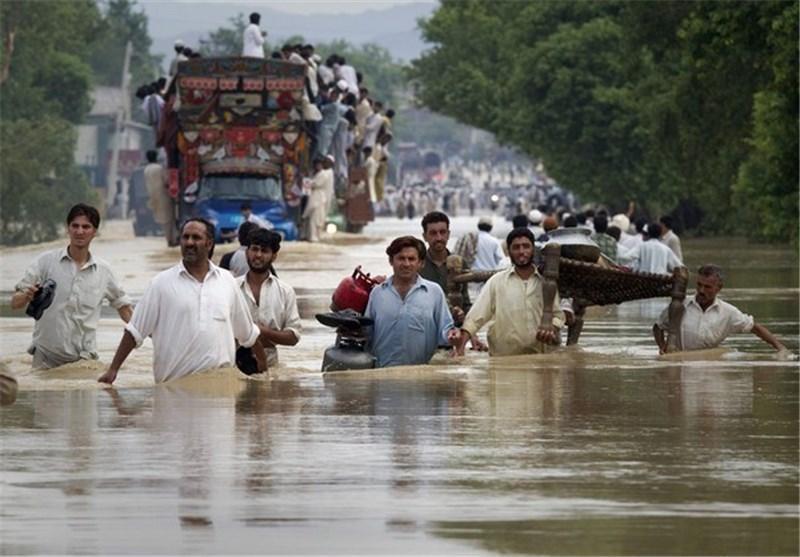 سیل ناشی از باران های موسمی مناطق بزرگی را در شهر کراچی فرا گرفت