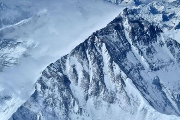 ارتفاع اورست 8848.8 متر اعلام شد