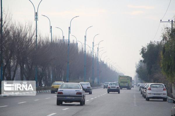 خبرنگاران بعضی جایگاههای توزیع سوخت خوزستان بنزین غیر استاندارد ارایه می نمایند