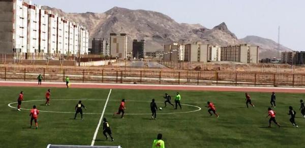 خبرنگاران رقابت های منطقه ای فوتبال بانوان کشور در تربت حیدریه آغاز شد