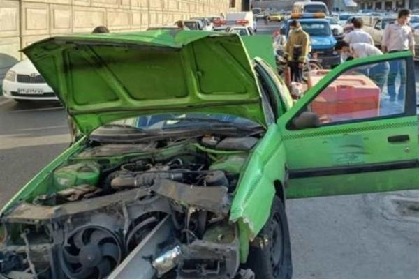 زنده ماندن معجزه آسای راننده در حادثه رانندگی